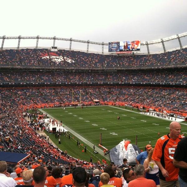 Foto diambil di Broncos Stadium at Mile High oleh Jaye Lee P. pada 8/24/2013