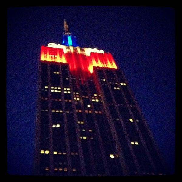Foto diambil di VU Bar NYC oleh Riley T. pada 7/5/2013