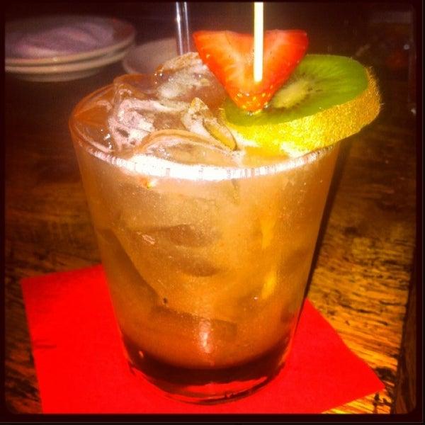 Foto tomada en Lolita Cocina & Tequila Bar por Kyle F. el 6/25/2013