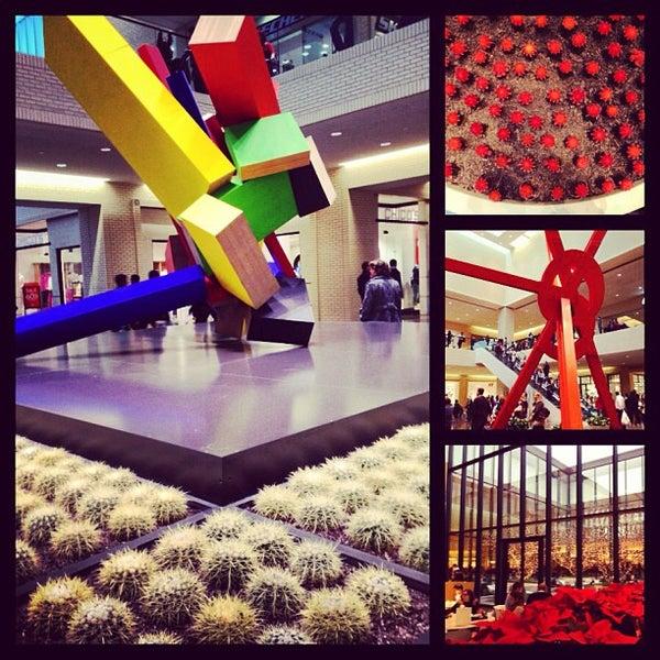 12/27/2012 tarihinde Jonathan L.ziyaretçi tarafından NorthPark Center'de çekilen fotoğraf