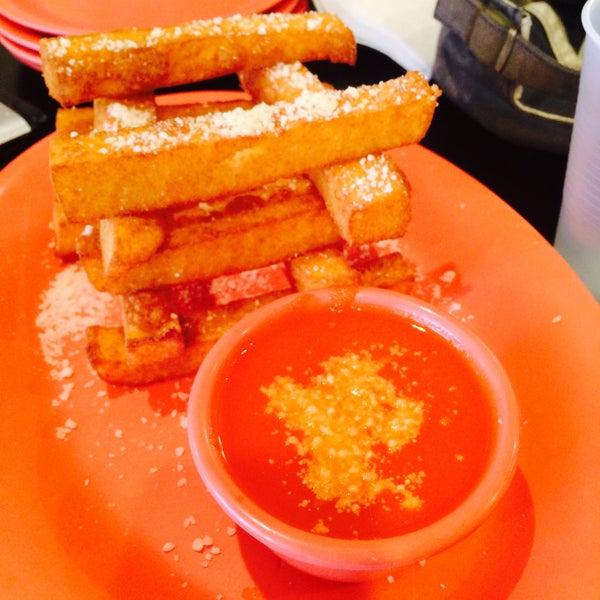 Foto diambil di Massa Cafe Italiano oleh Lucy G. pada 4/4/2015