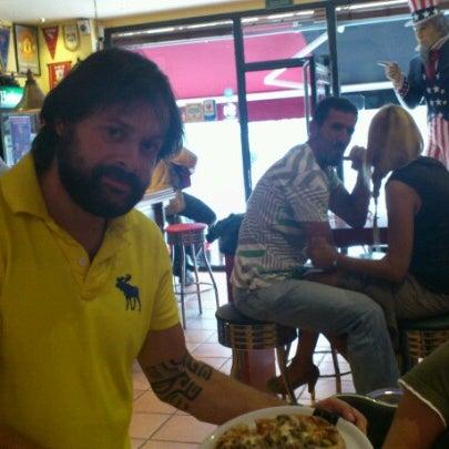 Foto tomada en Mc Charly & Company por Pablo Á. el 9/25/2012