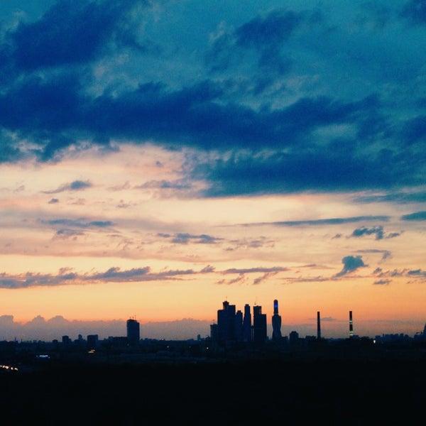 Снимок сделан в Strawberry Haze (18+) пользователем Ilya K. 6/8/2014