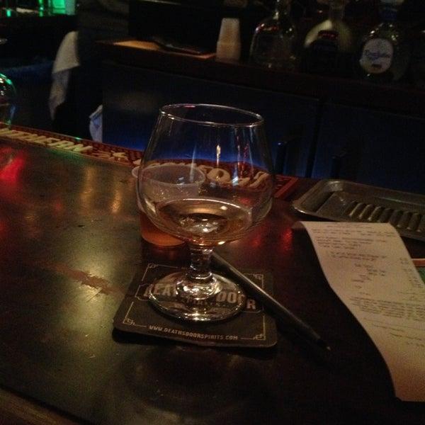 Foto diambil di Pippin's Tavern oleh Fer T. pada 2/12/2013