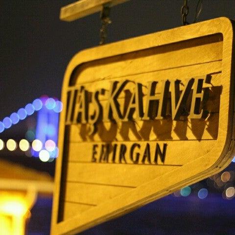Foto tomada en Taş Kahve Cafe & Restaurant por Nur K. el 2/9/2013