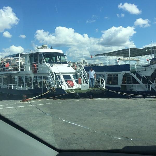 8/31/2017 tarihinde Beyoğluziyaretçi tarafından Seyr-ü Sefa Teknesi | İstanbul Tekne Kiralama & Teknede Düğün'de çekilen fotoğraf