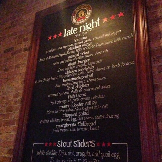Foto diambil di Stout Barrel House and Galley oleh Lana pada 11/25/2012