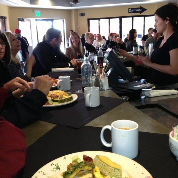 Photo prise au Breakfast Club par Debra S. le2/10/2013