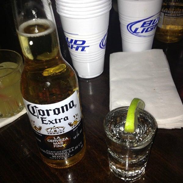 Das Foto wurde bei Opal Bar & Restaurant von Devonta am 1/11/2013 aufgenommen