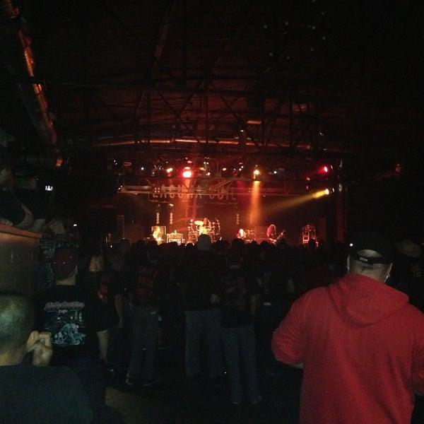 รูปภาพถ่ายที่ Warehouse Live โดย Shae C. เมื่อ 4/27/2013
