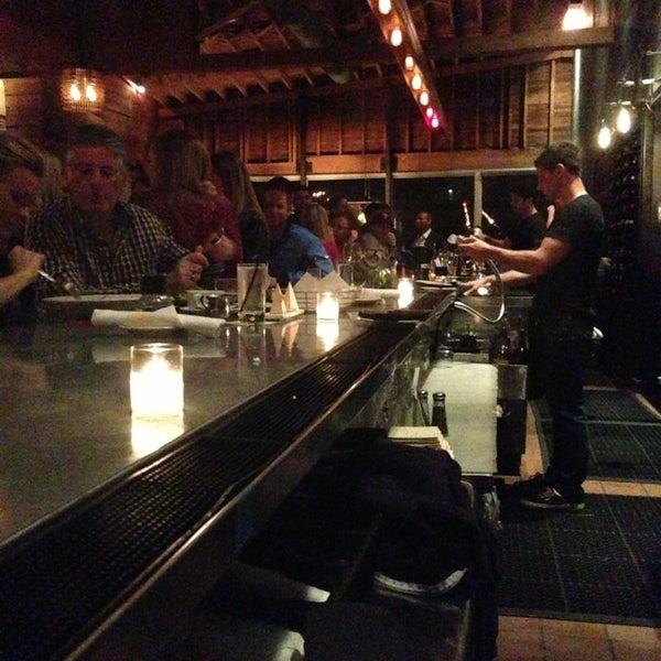Foto tirada no(a) Bankers Hill Bar & Restaurant por James G. em 1/18/2013
