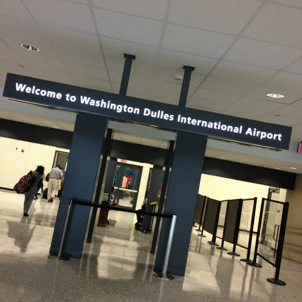 Foto diambil di Washington Dulles International Airport oleh Alaa O. pada 7/5/2013