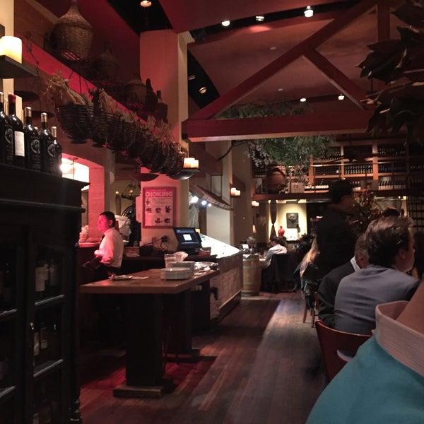 Foto scattata a Kellari Taverna NY da Ludwig P. il 3/10/2017