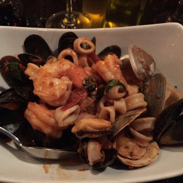 Снимок сделан в Ceci Italian Cuisine пользователем cristina c. 12/11/2014