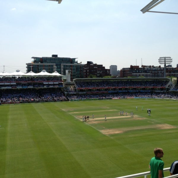 Foto tomada en Lord's Cricket Ground (MCC)  por Richard-James A. el 7/18/2013