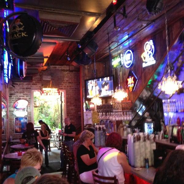 Foto scattata a Bourbon Heat da Mark H. il 6/1/2013
