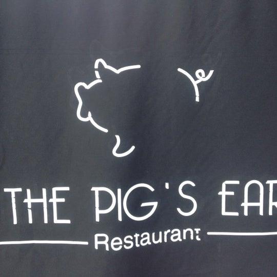 Foto tirada no(a) The Pig's Ear por Steph C. em 10/20/2012