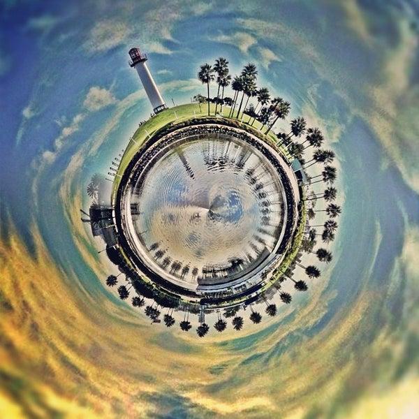 Снимок сделан в Parkers' Lighthouse пользователем Kristofer V. 10/26/2012