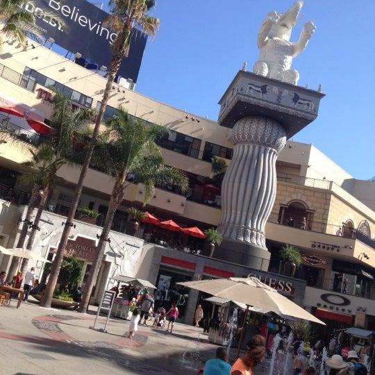 รูปภาพถ่ายที่ Hollywood & Highland Center โดย Shoubert D. เมื่อ 9/16/2012