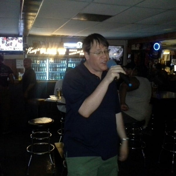 Foto tomada en Kay's Place Bar & Lounge por Michael H. el 5/9/2013