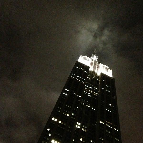 Foto diambil di VU Bar NYC oleh Samir Z. pada 5/24/2013