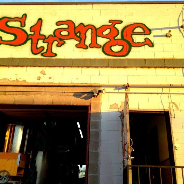 Das Foto wurde bei Strange Craft Beer Company von Dan S. am 6/30/2013 aufgenommen
