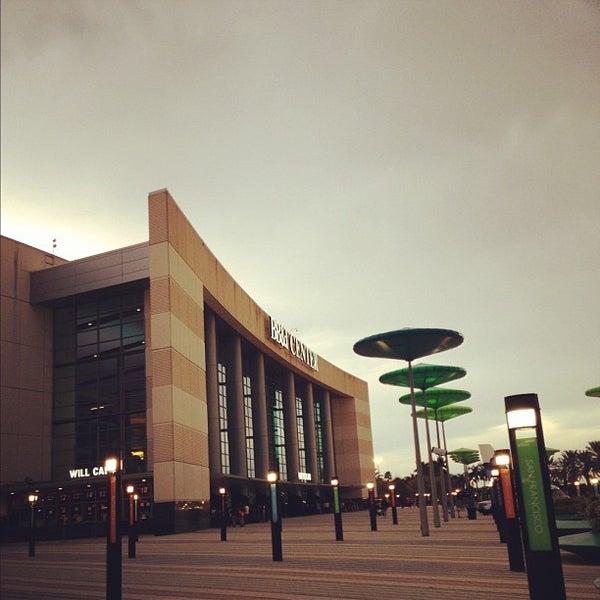 Foto tirada no(a) BB&T Center por Jahanzaib M. em 9/26/2012