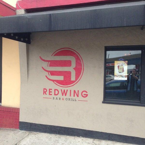 Foto tirada no(a) Redwing Bar & Grill por Jefferz em 3/23/2013