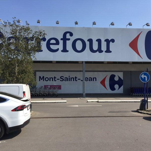 Снимок сделан в Carrefour hypermarché пользователем Nicolas O. 8/29/2017