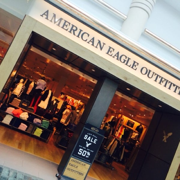 f0a74df13b7 American Eagle Outfitters - Clothing Store