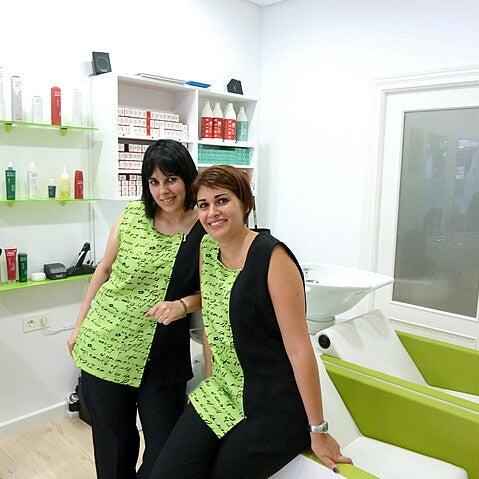 Das Foto wurde bei peluquería Green Estilistas von Angel M. am 10/22/2013 aufgenommen