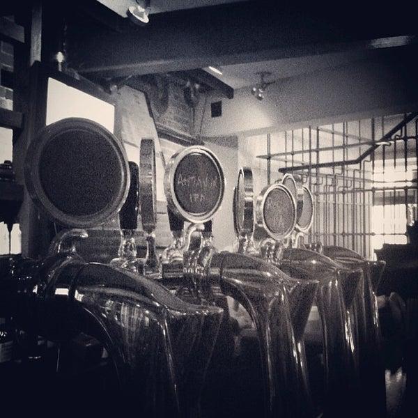 12/21/2012 tarihinde Dave M.ziyaretçi tarafından Triumph Brewing Company'de çekilen fotoğraf