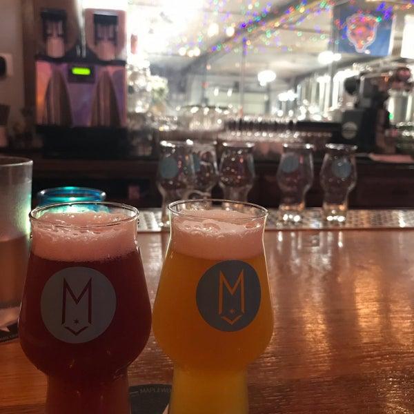 Foto tirada no(a) Maplewood Brewery & Distillery por Ricky W. em 12/11/2018