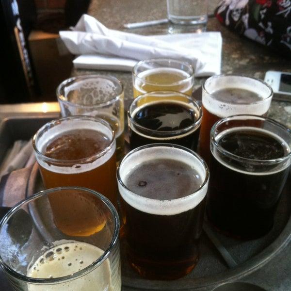 Снимок сделан в Kinetic Brewing Company пользователем Travis C. 3/30/2013