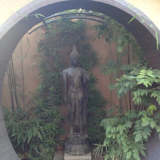 10/24/2012 tarihinde Jenny G.ziyaretçi tarafından Asian Art Museum'de çekilen fotoğraf