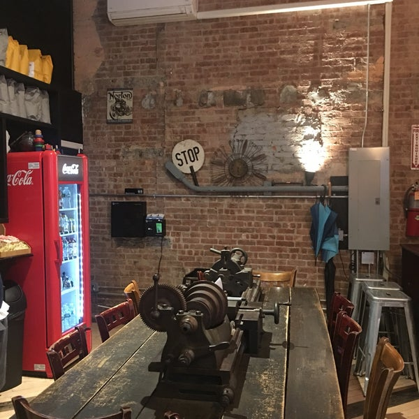 12/27/2016にAlex C.がTaszo Espresso Barで撮った写真