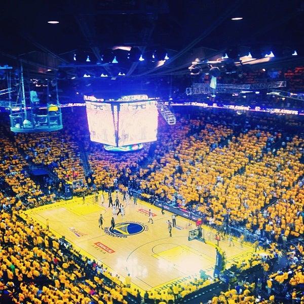 รูปภาพถ่ายที่ Oakland Arena โดย Jeffrey L. เมื่อ 5/12/2013