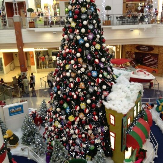 Снимок сделан в Floripa Shopping пользователем Paulo Sérgio R. 11/21/2012