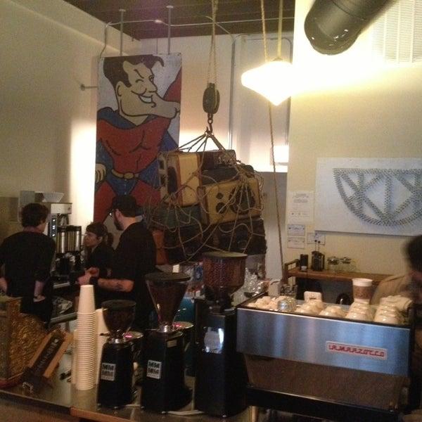 Photo prise au Bow Truss Coffee par John L. le2/7/2013