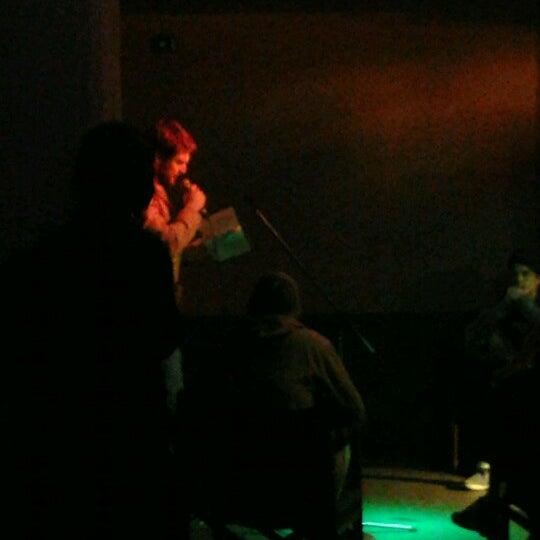 11/21/2012 tarihinde Dóri L.ziyaretçi tarafından Trafó - House of Contemporary Arts'de çekilen fotoğraf