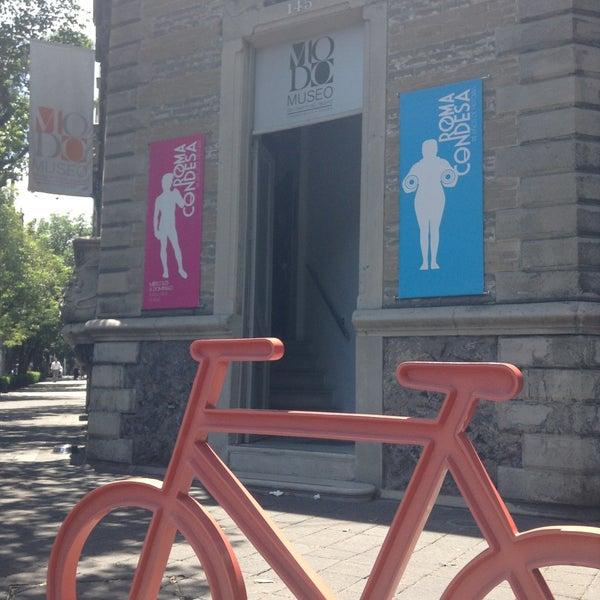 Das Foto wurde bei MODO Museo del Objeto del Objeto von Lili G. am 4/14/2013 aufgenommen
