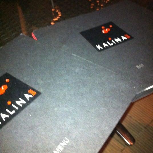 Foto tomada en Kalina Bar Restaurant por Ati K. el 10/11/2012
