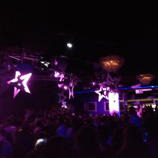 Das Foto wurde bei The Sutton Club von Javier L. am 9/21/2012 aufgenommen
