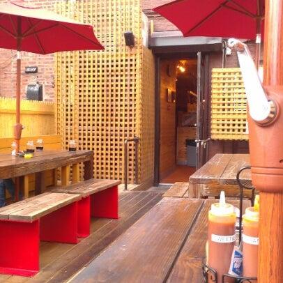 Photo prise au Butcher Bar par Jenny L. le9/2/2012