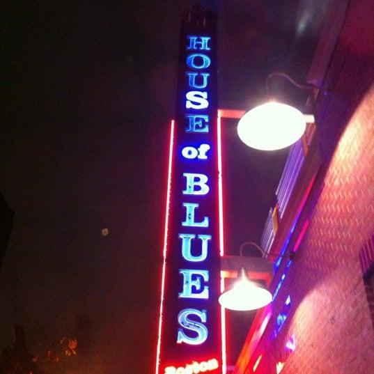 Foto diambil di House of Blues oleh Matt G. pada 10/31/2012