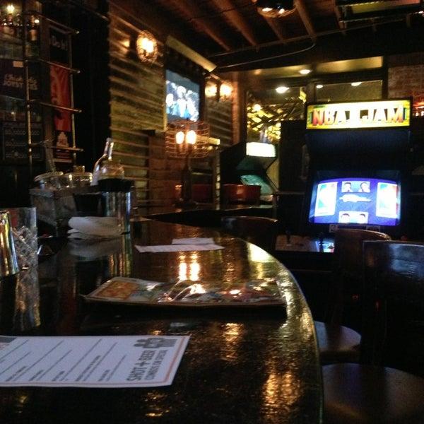 Снимок сделан в Headquarters Beercade пользователем J D. 3/14/2013
