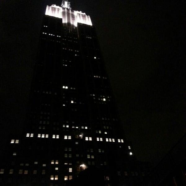 Foto diambil di VU Bar NYC oleh Erika C. pada 5/12/2013