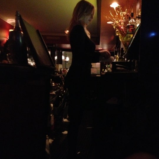 12/13/2012 tarihinde Rick R.ziyaretçi tarafından Madison Bistro'de çekilen fotoğraf