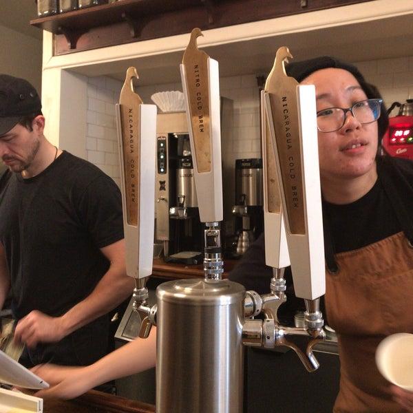 Foto tirada no(a) BKG Coffee Roasters por Chi C. em 4/26/2019