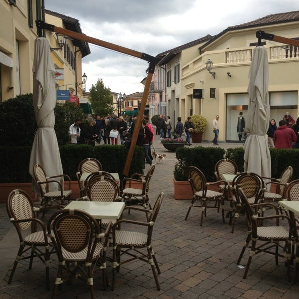 premium selection ceff7 9145a Moncler - Clothing Store in Serravalle Scrivia